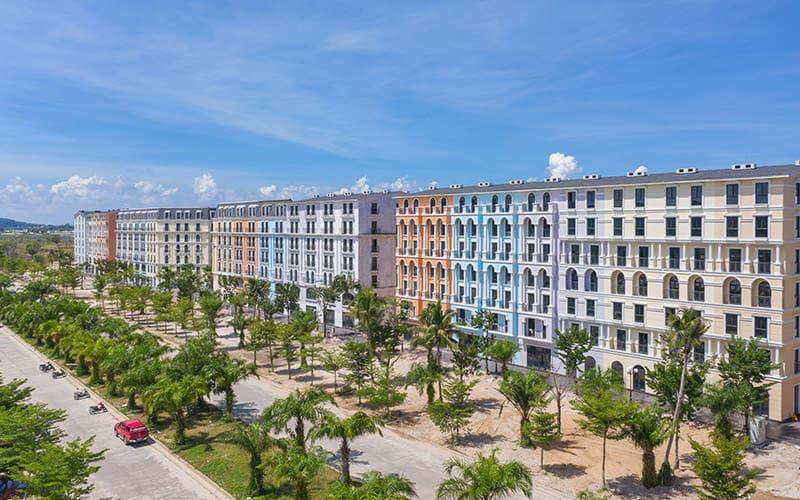 View trực diện tuyến đường Tỷ đô 68m - Góc nhìn từ Phu Quoc Marina Square
